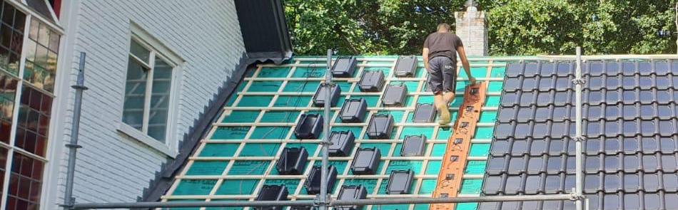 Dakdekker Zeeland renoveert pannendak